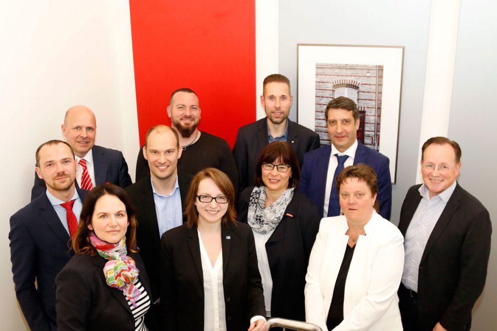Eröffnung mit Vertretern der Jury und Vorjahressiegern