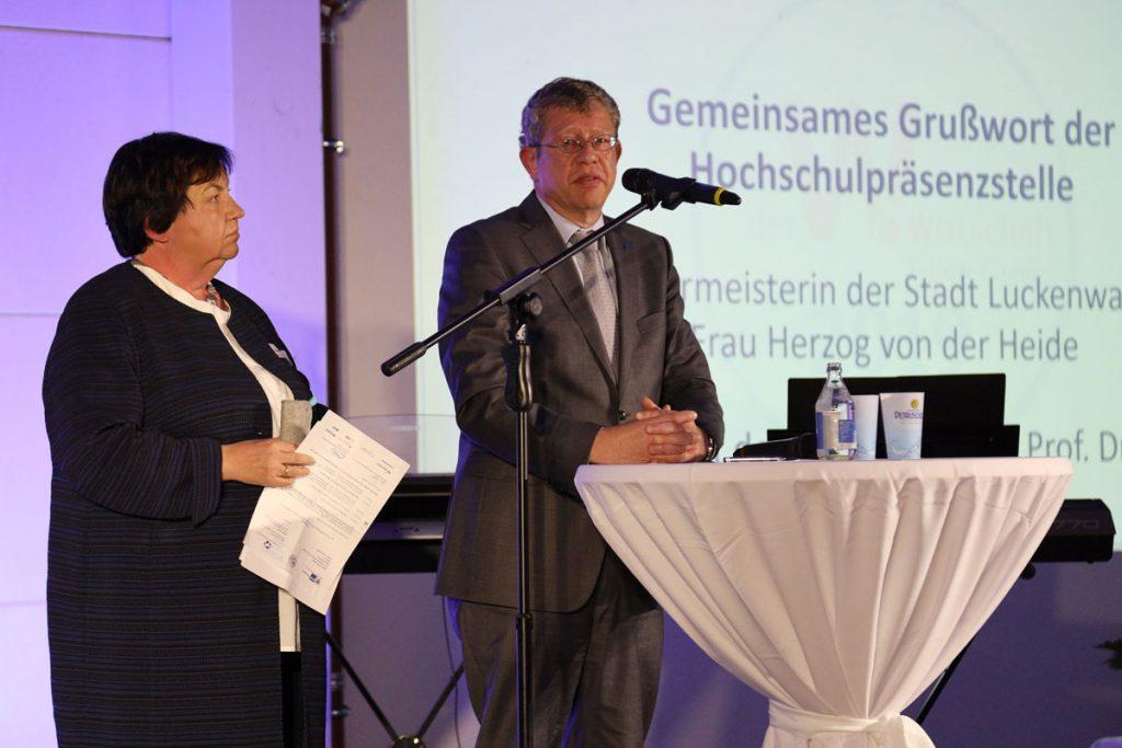 Elisabeth Herzog-von der Heide und Prof. Dr. Klaus-Martin Melzer