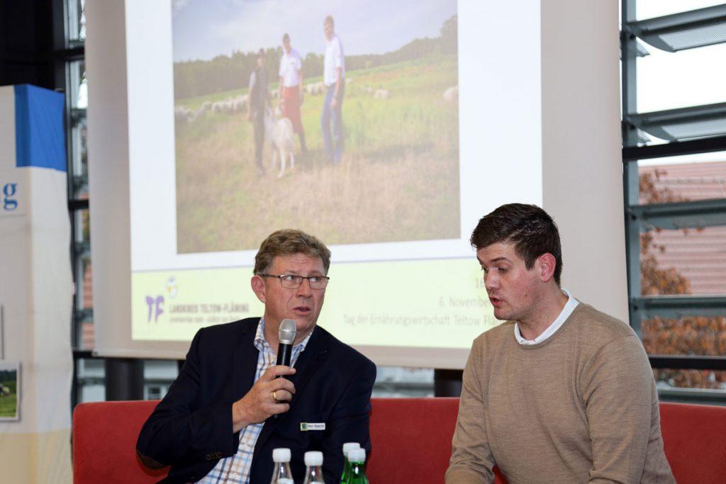 Hans-Hermann Specht (links) und Phillip Kliem stellen das gemeinsame Lammfleisch-Projekt vor