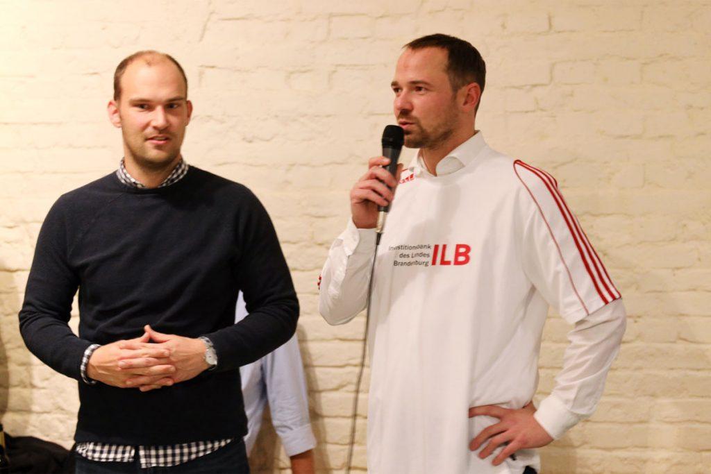 Tilo Hönisch (rechts) und Marcel Penquitt organisierten den Kicker Cup