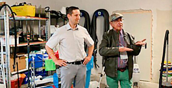 Christopher Schuster (links) ist Geschäftsführer des 1991 gegründeten Unternehmens Trebbin Clean.