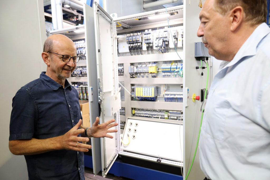 Maik Frenzel (links) ist für die Elektronik zuständig
