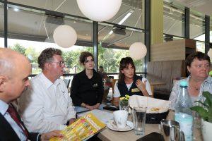 Echter Familienbetrieb: Hans-Hermann, Esther und Carmen Specht