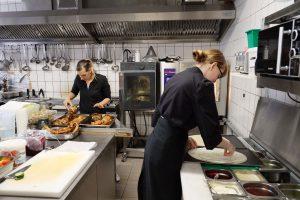 Blick in die Küche des Landgasthofs Jüterbog
